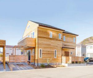 電線なし自然素材の家