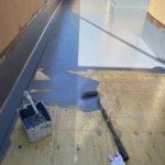 バルコニー防水工事途中トップコート塗装