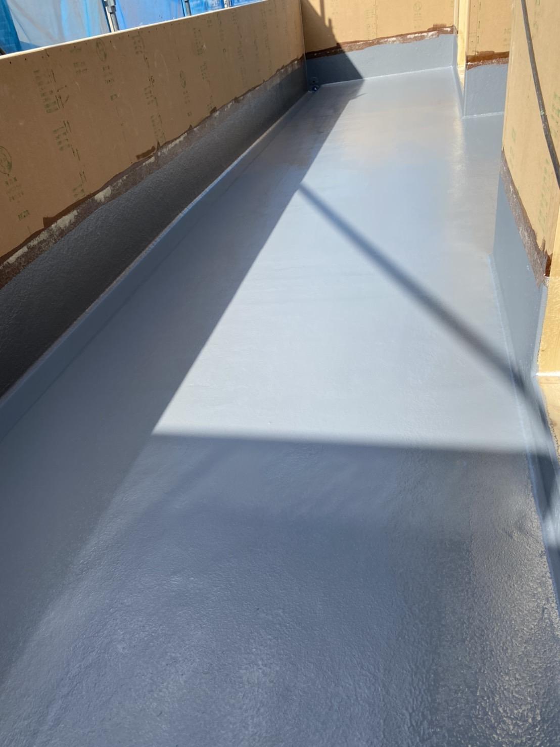 バルコニー防水2度塗り工事終わり